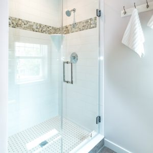 The Latest Walk-In Shower Designs